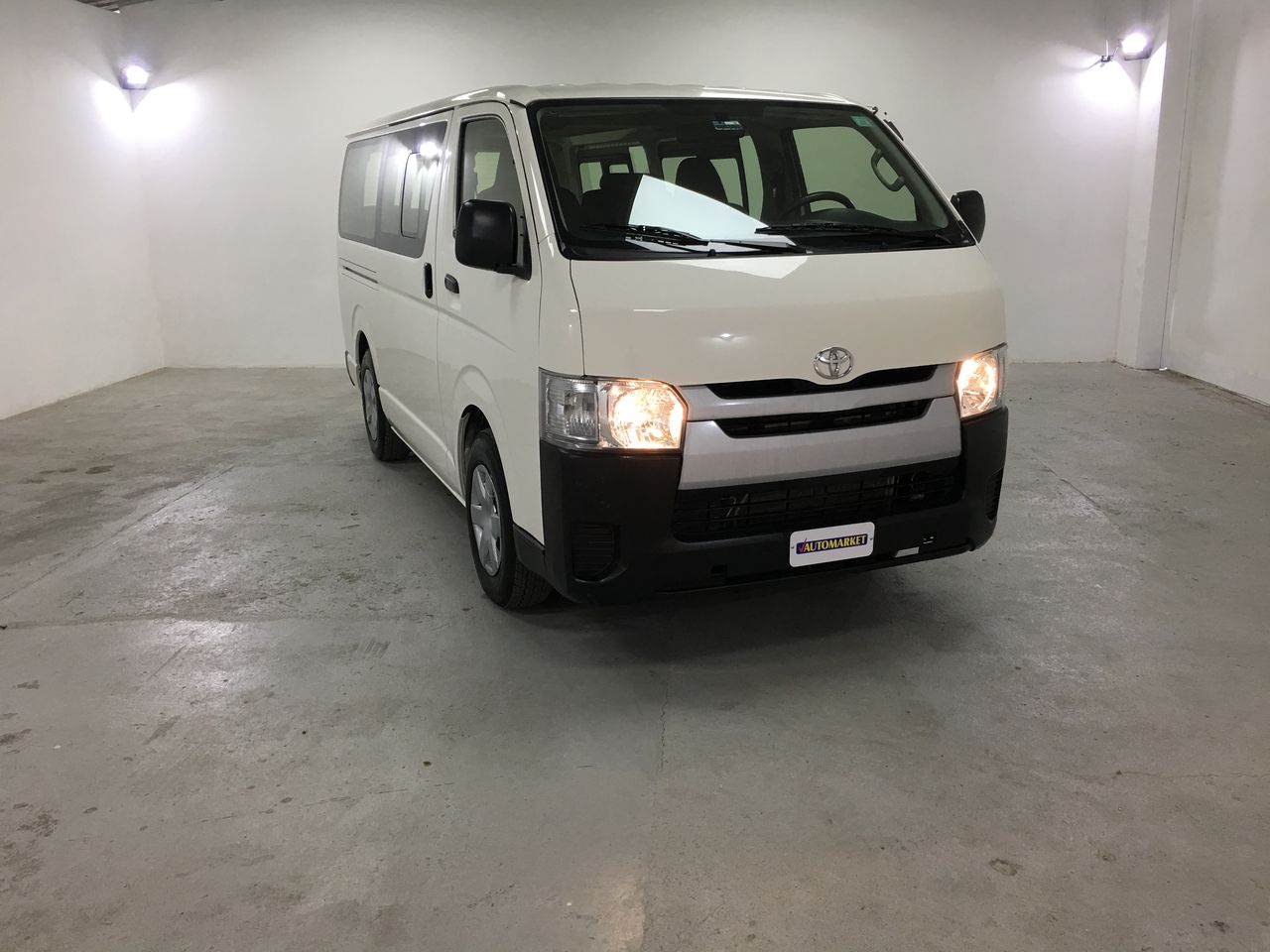 TOYOTA HI ACE BUS BLANCO 2017 CF2821