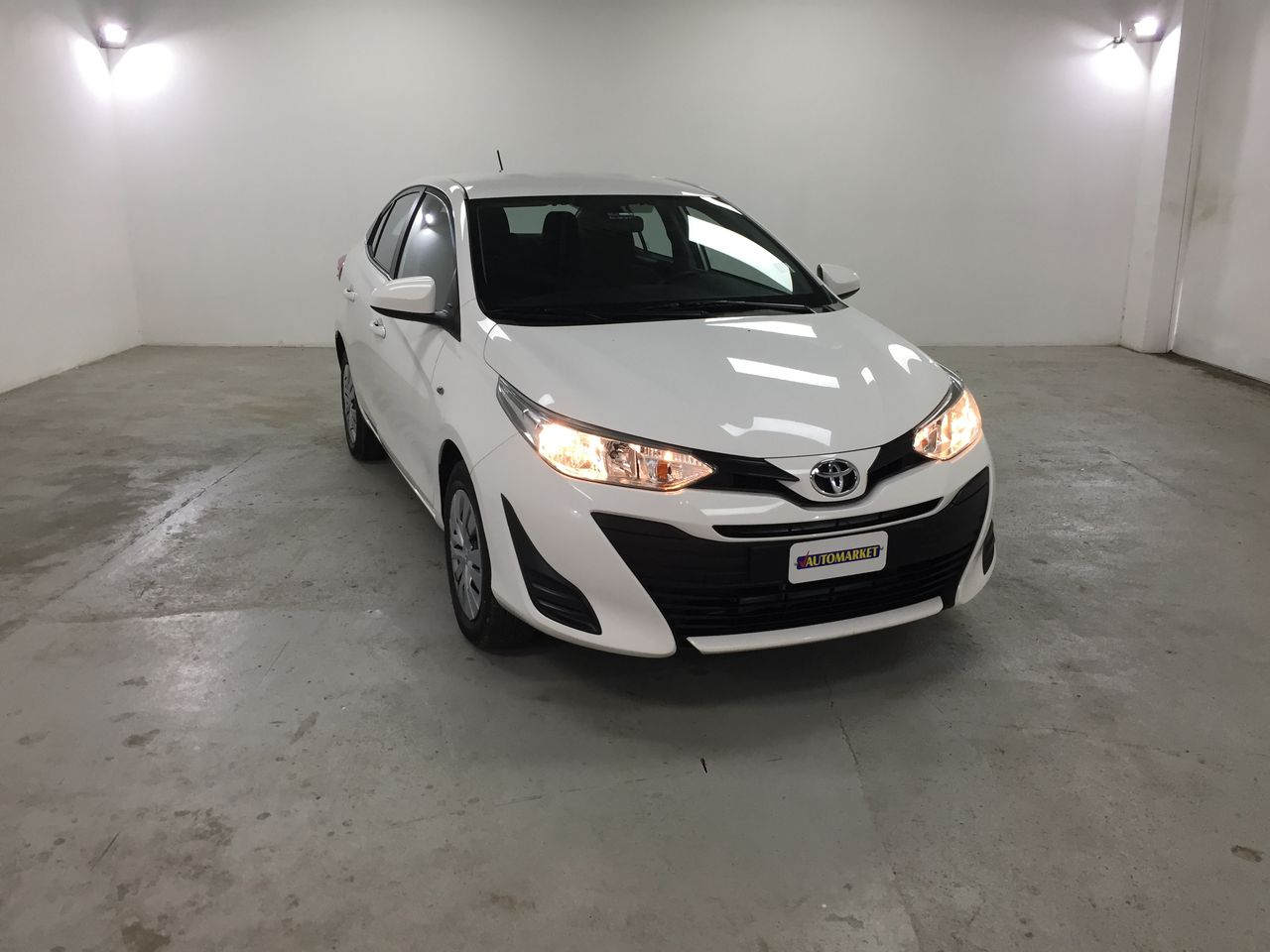 TOYOTA YARIS SUPER WHITE II 2018 CL6486
